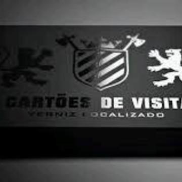 Cartão de visita frente com verniz localizado