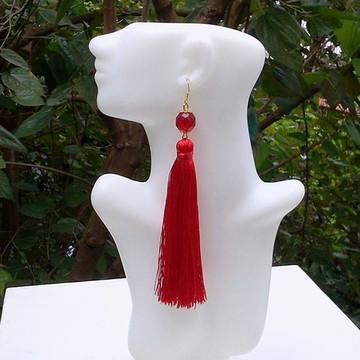 Maxi Brinco longo dourado com cristal e tassel vermelho
