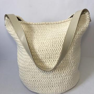 Bolsa de crochê com alça de couro - branca
