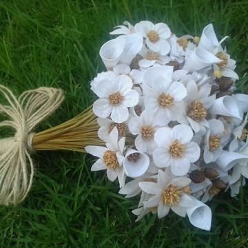 Buque Flores Brancas