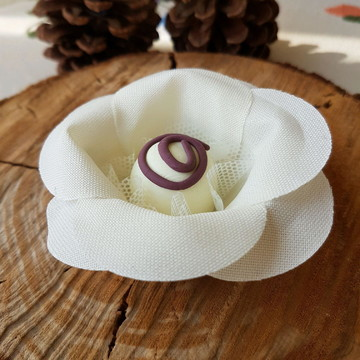 Forminha para doces Rosa Luxo Marfim
