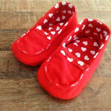 Sapato de pano para bebê mocassim vermelho