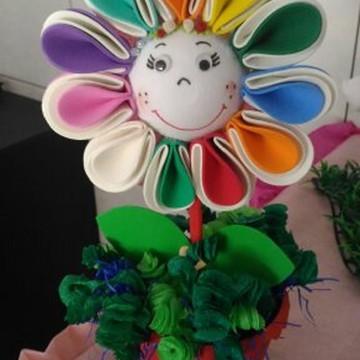 Vaso menina flor grande