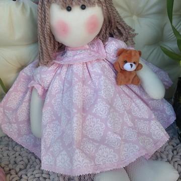 Linda boneca de pano