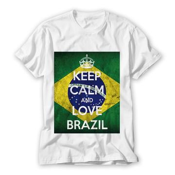 Camiseta Keep Calm and Love Brasil