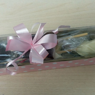 Caixa lembrancinha dia das mães com flor de chocolate