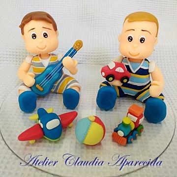 topo bolo personalizado: Gêmeos brincando