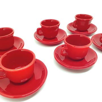 xícara de café vermelho liso