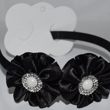 tiara com flor de cetim