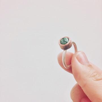Aliança Pedra Bruta - pequeno - joia de cobre e prata