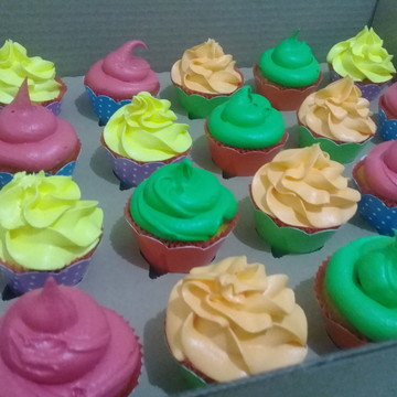 Cupcakes - Marshmallow em Cores Neon