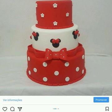 Bolo fake Minie bolo cenográfico minie vermelha
