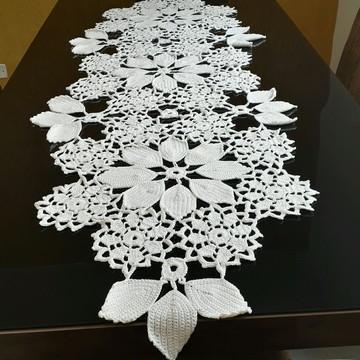 Caminho de mesa de croche