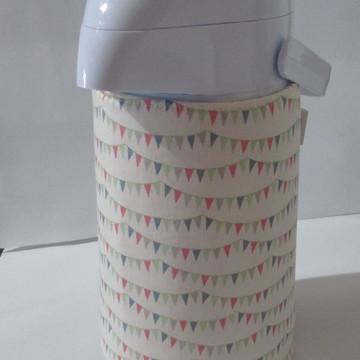 Garrafa térmica com capa bandeirinhas