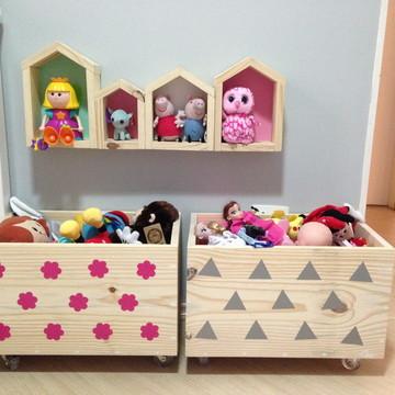Caixote de brinquedos com rodinhas 30x30x50 PINUS - CX50.PN
