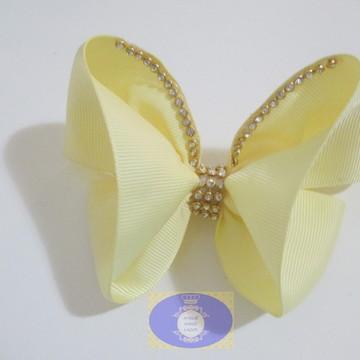 laço borboleta amarelo com strass