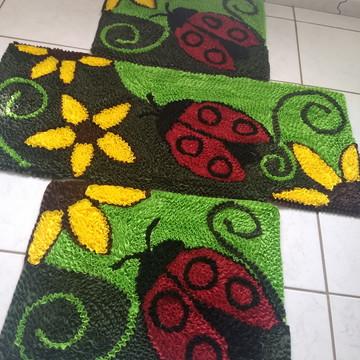 Jogo de tapetes para cozinha frufru joaninha e flores