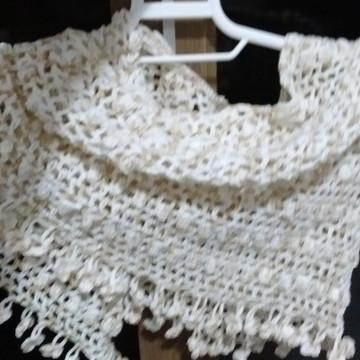 Lenço gola de crochê feita em linha de algodão