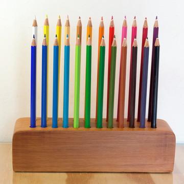 Porta Lápis de Cor para 24 cores.