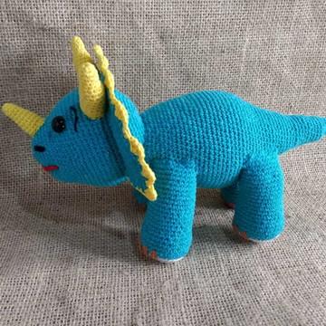 Amigurumi -dino-triceratopos