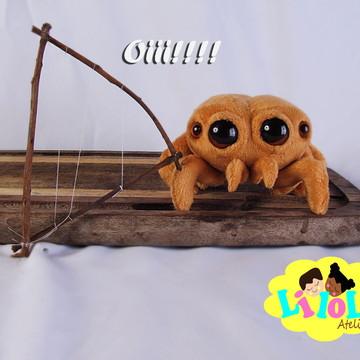 Lucas aranha em pelúcia 18 cm