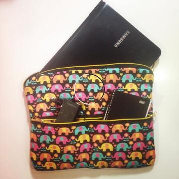 Pasta de notebook com bolsos externos