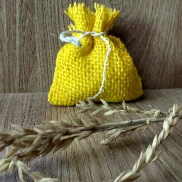 saquinho mini juta amarelo / lembrancinha sacolinha juta