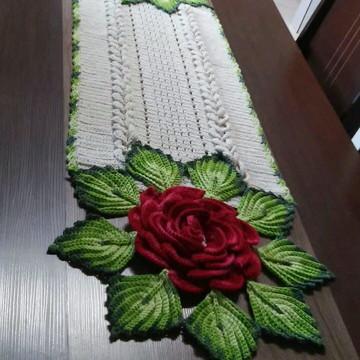 Trilho de mesa, Mega flor em crochê