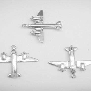 Pingente aviao metal prateado 4x3,5cm