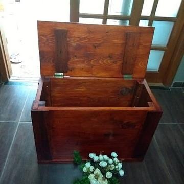 Baú rústico em madeira Marianinha