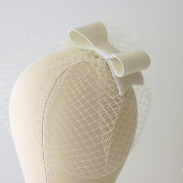 Voilette com Laço Cetim Off-white