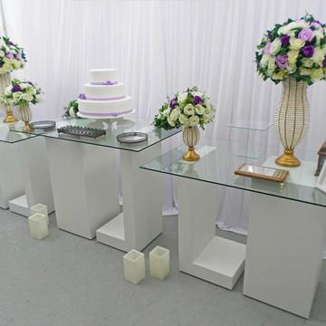 Aluguel Decoração Casamento Mesa do Bolo Vidro Lilás Branco
