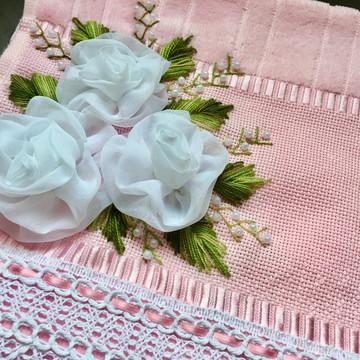 Toalha Decorativa bordada a mão para Lavabo Presente
