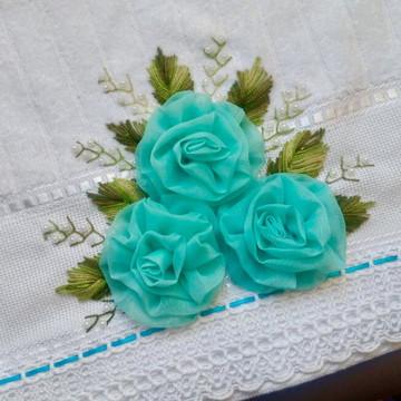 Toalha Bordada Decorativa pra Lavabo Presente