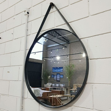 Espelho 70cm diam. alça couro preto