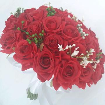 Buque de rosas vermelho.