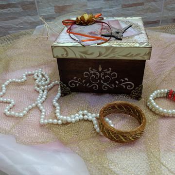 Porta-jóias em mdf decorado