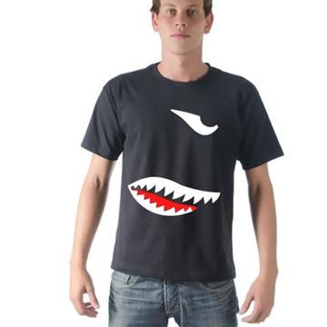 Camiseta Tubarão Silhueta Estampada Masculina