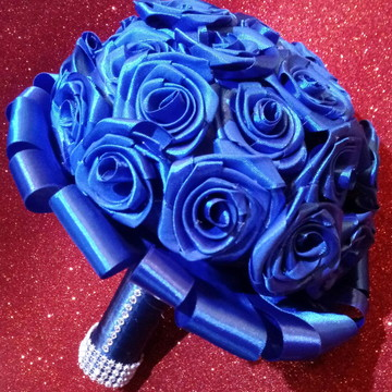 Buquê de flores de cetim