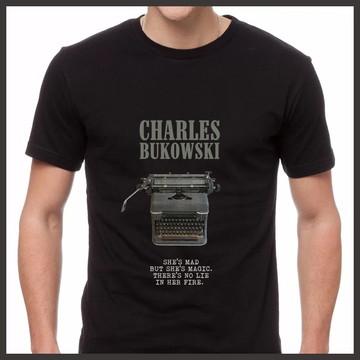 Camiseta Charles Bukowski Máquina de Escrever