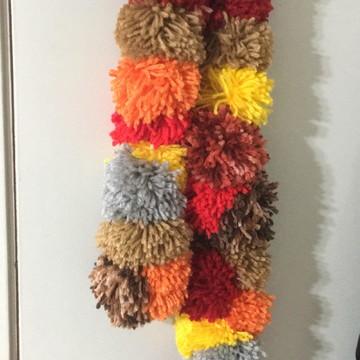 Cachecol pompom de lã