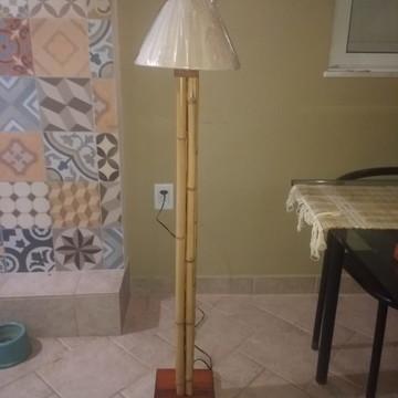 Abajur Artesanal em madeira e bambú