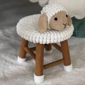 Mini Banqueta Ovelha de Crochê