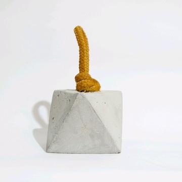 Peso de Porta Prisma em cimento