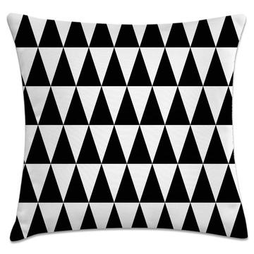 capa almofada triângulos preto e branco