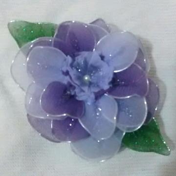 Sabonete decorado com flor em Meia de Seda