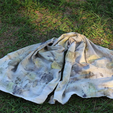 Lenço em Estampa Botânica Eco Print Rosa- 100 % algodão