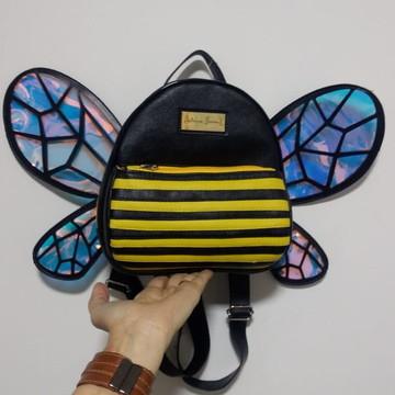 Aula Mini Mini Mochila modelo abelhinha