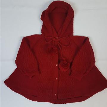 Casaco (trapézio) em Tricot Bebê com Capuz Vermelho