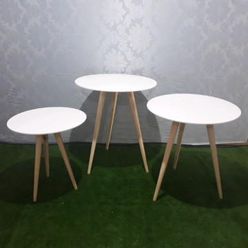 Trio de mesas com pé palito - Aluguel RJ